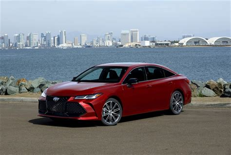 2019 Toyota Avalon Adds Power, Reworks Tech Operations