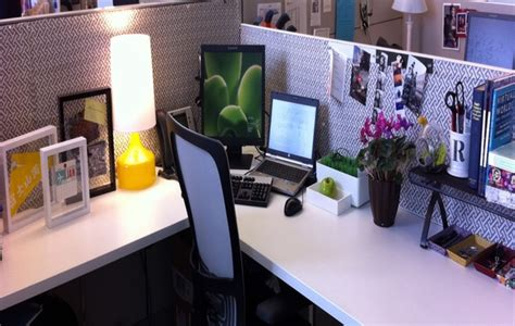 cubicle decoration ideas decorating small office cubicle picture yvotube