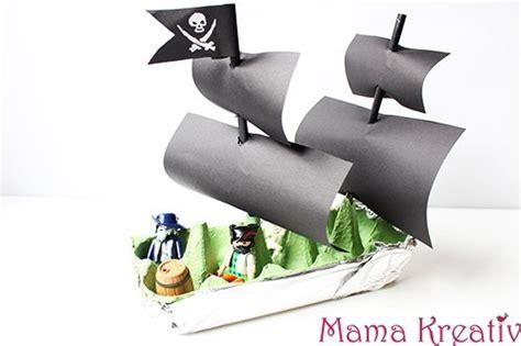 basteln aus eierkarton basteln aus eierkarton piratenschiff in 5 minuten kreativ