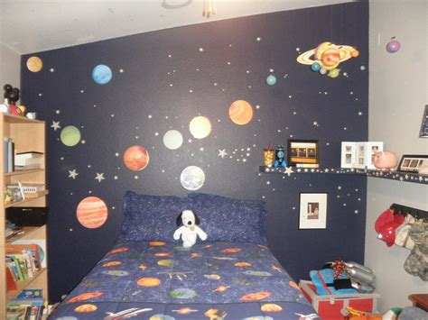 bedroom theme ideas wowruler outer space themed bedroom for boys