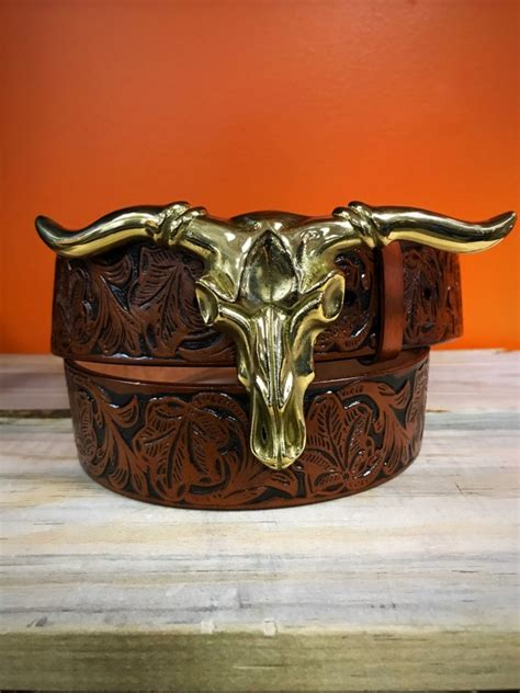 longhorn buckle gold belt  included ale accessories