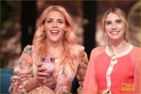 Emma Roberts on Looking Like Her Aunt Julia Roberts: 'A ...