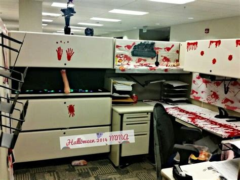 Scary Cubicle Decorating Ideas by 17 Best Ideas About Cubicle On