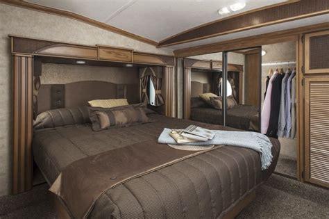 caravane chambre véhicules récréatifs à l 39 assaut de la saison