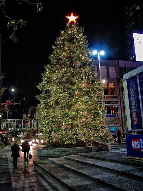 christmas lights in cincinnati ohio 17 best images about i cincinnati on pinterest parks