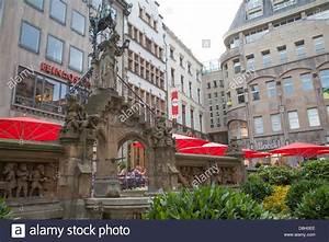 Heinzelmaennchen Brunnen Fountain Cologne Germany Stock