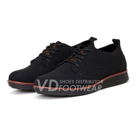 Sepatu Santai Diesel jual sepatu pria casual kerja formal resmi kantor sneakers