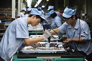 Economists React: China Manufacturing Gauge Slides in June ...