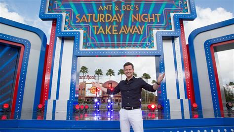 Declan Donnelly sings as he kicks off Saturday Night ...