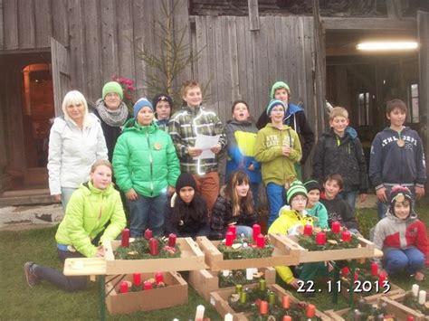"""Schule Am Bauernhof Projekt """"advent Im Stall"""" Salziat"""