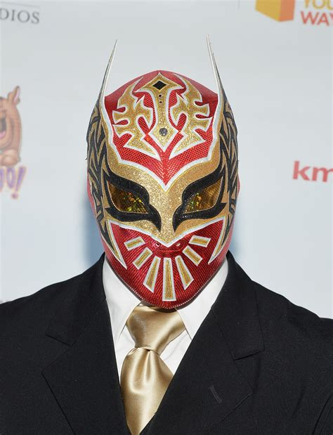 Wwe Sin Cara Not Allowed In Raw Locker Room After Chris