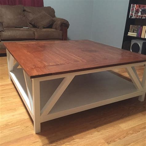 Buying a farmhouse coffee table isn't really a big deal if you know exactly what you want. Modern Farmhouse Square Coffee Table - buildsomething.com