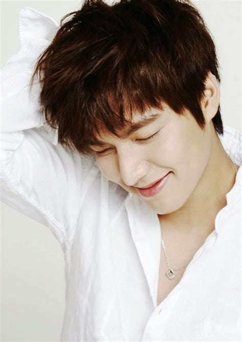 voshows blogger   popular star lee min ho  korea
