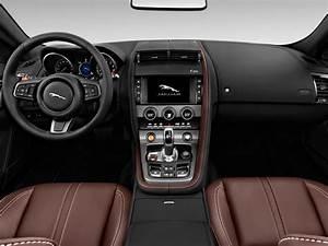 Image  2017 Jaguar F