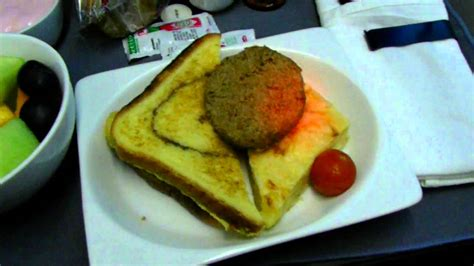 Hd United Airlines 787-8 Food Service Breakfast Free In