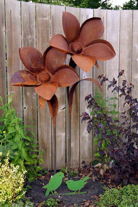 Rusty Metal Garden Decor  The Garden Glove