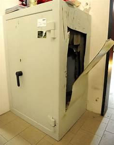 Tresor Selber Bauen : gleich mehrfach kamen die einbrecher in den fressnapf das vergitterte fenster rissen sie aus ~ Watch28wear.com Haus und Dekorationen