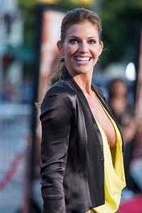 "Tricia Helfer Braless On ""Riddick"" Premiere | Celebrities Nude  Tricia"