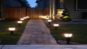 Best solar landscape lights outdoor accent lighting ideas for Outdoor solar lighting for walkways