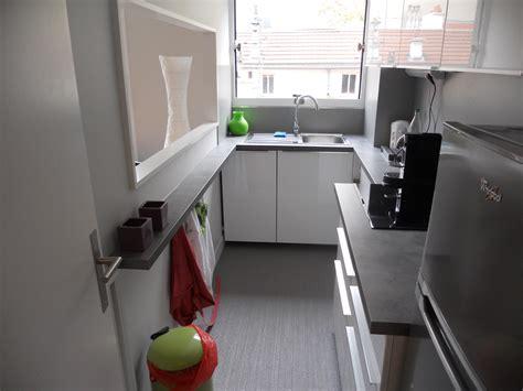 amenager petit salon avec cuisine ouverte cuisine avec plan de travail original brodie