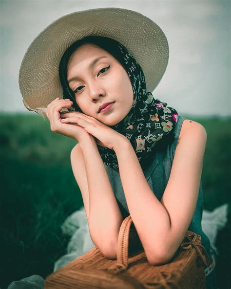 This premium moody green preset is tested and applied on more than 50+ photos to make it perfect to use by you. Preset Lightroom | DARK TONE DNG & XMP LIGHTROOM CC - A ...