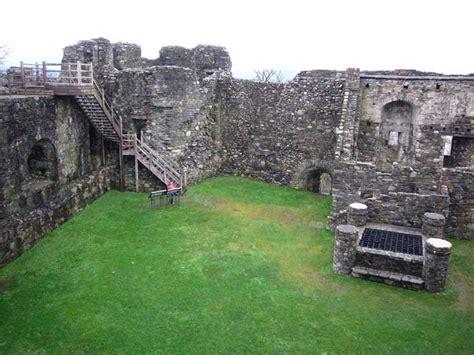 dunstaffnage castle scotland historic oban building