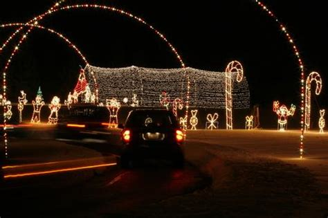 5 awesome drive thru light displays you
