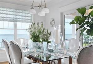 table a manger design moderne et contemporain en verre With salle À manger contemporaine avec objet deco en verre