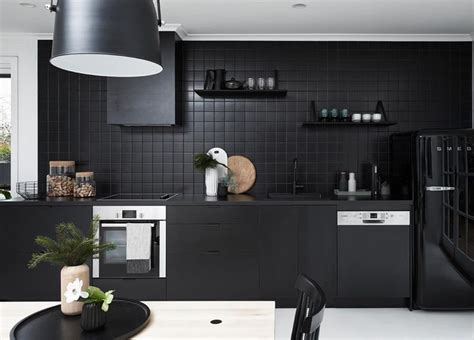 kitchen tile ideas photos 17 best ideas about kitchen black appliances on 6269