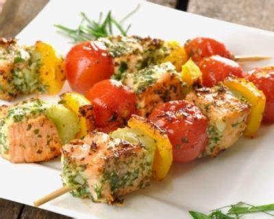idées de plats à cuisiner recette brochettes de poissons