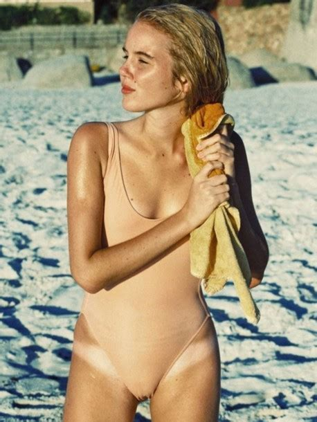 Swimwear: one piece swimsuit   Wheretoget