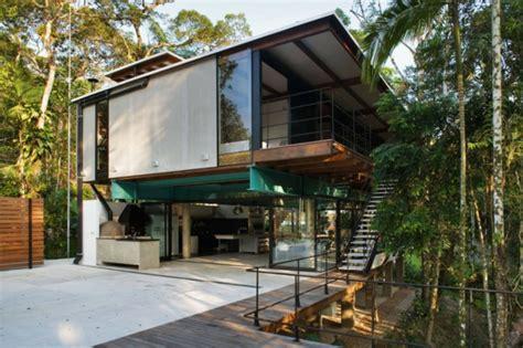 Moderne Häuser Mit Grossen Fenstern by Modernes Sommerhaus Im Brasilianischen Wald