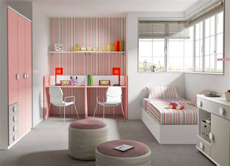 chambre lit jumeau chambre bébé fille avec un lit jumeaux évolutif glicerio