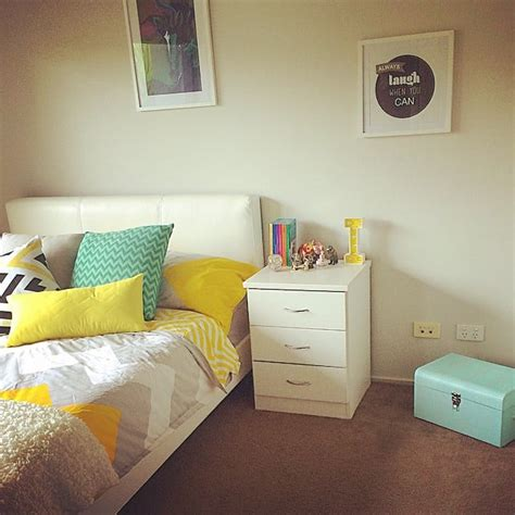 Bedroom Decorating Ideas Tweens by Decorate With Frames Tween Bedroom Inspiration And