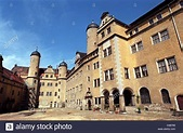 (dpa files) - A view into the court of Lichtenburg Castle ...