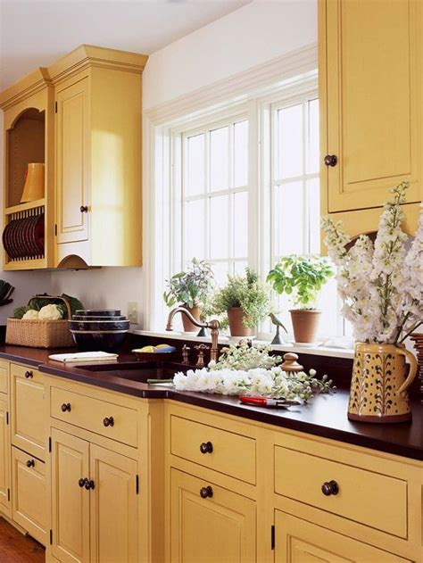 yellow painted kitchen cabinets best 25 white glazed cabinets ideas on 1697