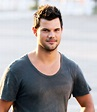 Taylor Lautner Dyed His Hair for 'Scream Queens': Pic