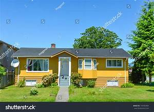 Average North American Family House On Stock Photo ...