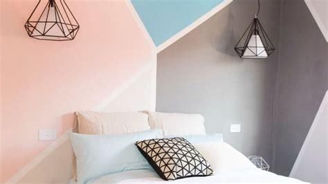 deco chambre papier peint déco chambre créer une tête de lit en peinture originale