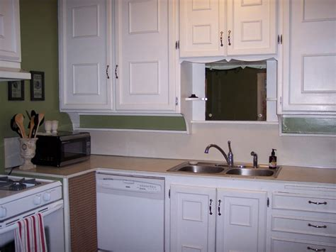 how to redo kitchen cabinets yourself how to make old kitchen cabinets look new painting kitchen