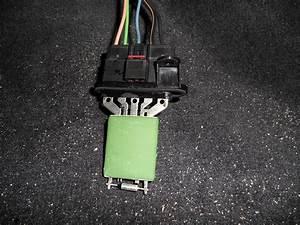 U0026 39 04 Stratus Blower Motor Resistor Replacement  Picture
