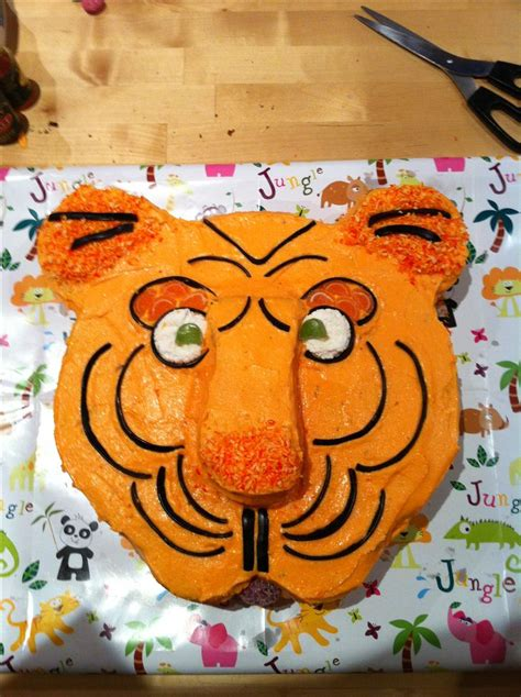 tigger birthday cake template 60 best images about party theme tiger who came to tea