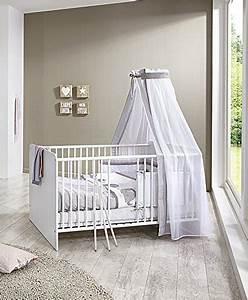 Babybett Komplett Mit Wickelkommode : babyzimmer komplett set kim 4 in wei kleiderschrank babybett lattenrost wickelkommode ~ Watch28wear.com Haus und Dekorationen