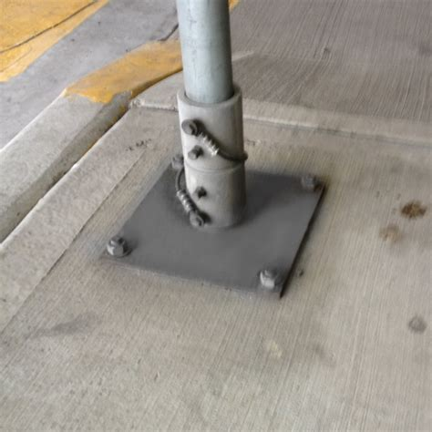 sign post breakaway base bc site service