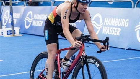 She competed in the women's event at the 2016 summer olympics where she finished in 28th place. Sprintdistanz: Laura Lindemann beim Hamburg-Triathlon mit ...