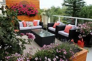 sichtschutz fur terrasse und balkon draussen versteckt With markise balkon mit tapeten floral modern