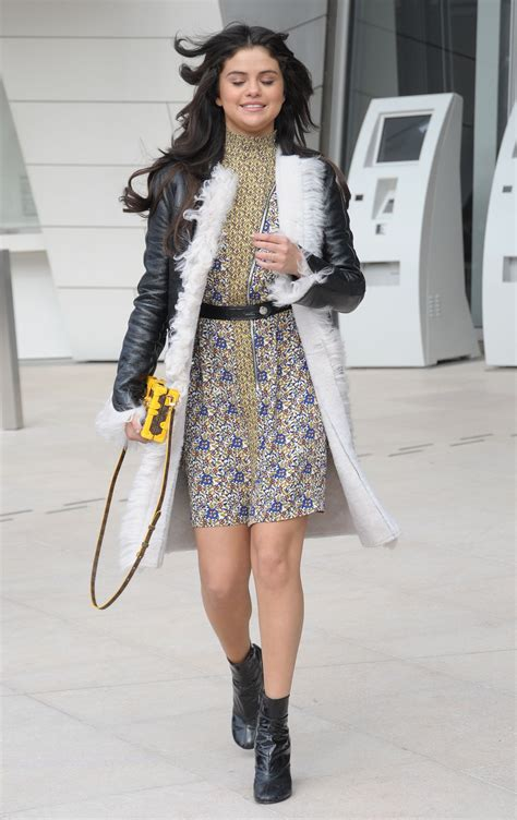 Style 2015 Frühling by Selena Gomez Style Louis Vuitton Fashion Show In