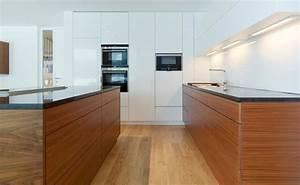 Moderne Küchen 2017 : 6 einrichtungsideen und k chenbilder f r moderne holz ~ Michelbontemps.com Haus und Dekorationen