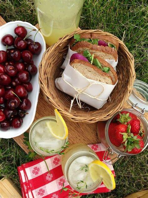 ideas for picnic food best 25 picnic ideas ideas on pinterest picnic picnic date and beach picnic foods
