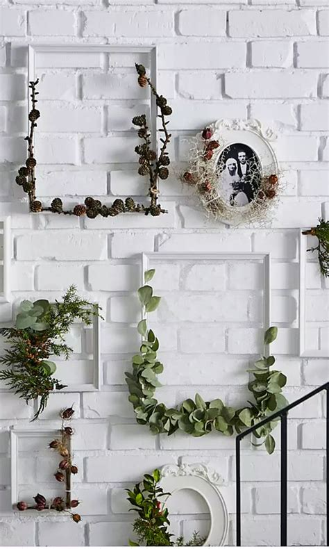 Looking for wall decor ideas to refresh your space? Empty Frame Decor Ideas That Look Spectacular